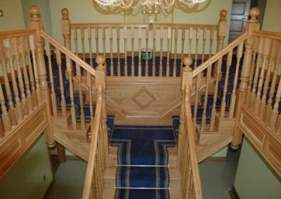 Center Tee Shape Staircase